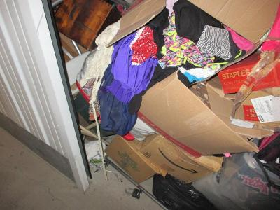 Las Vegas  Self Storage Auction #107614 - Image 9 boxes / totes,clothing,furniture,mattress