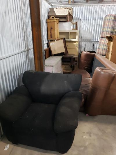 Texas City  Self Storage Auction #177683 - Image 2 appliances,furniture,home goods,mattress