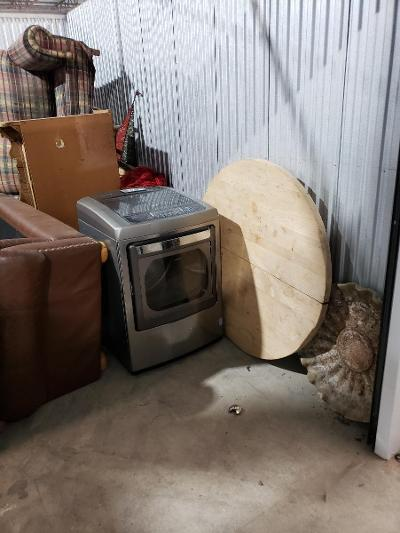 Texas City  Self Storage Auction #177683 - Image 4 appliances,furniture,home goods,mattress