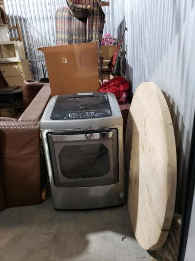 Texas City  Self Storage Auction #177683 - Image 5 appliances,furniture,home goods,mattress