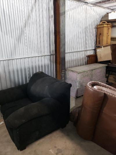 Texas City  Self Storage Auction #177683 - Image 6 appliances,furniture,home goods,mattress