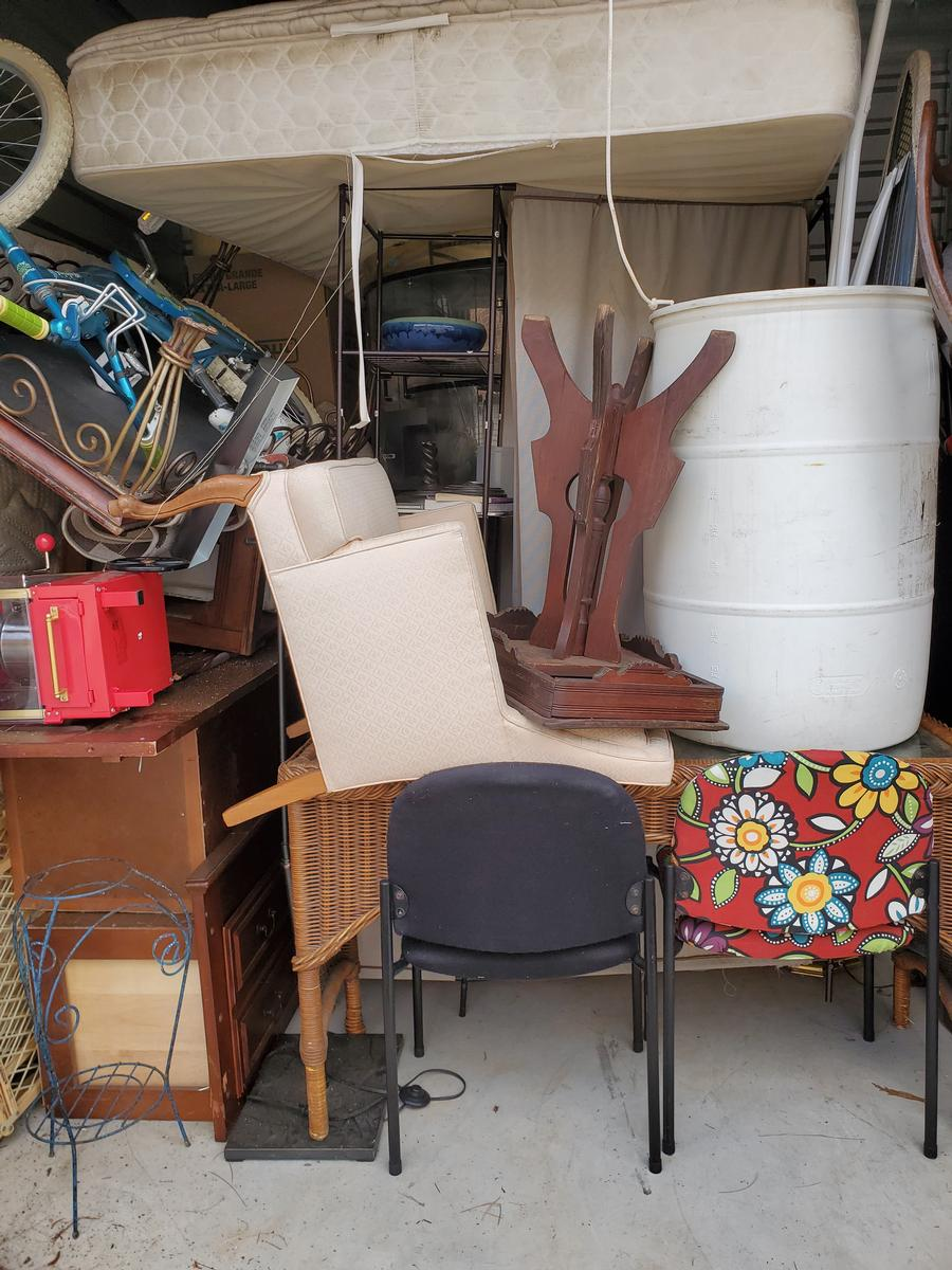 Self Storage Auction #103634 - Image 3 antiques,bicycle,books,boxes / totes,cabinet,clothing,electronics,furniture,holiday decor,home goods,lamps,mattress,office equipment,outdoor goods,shelves,shoes,sports equipment,tools,toys / baby items,wall art