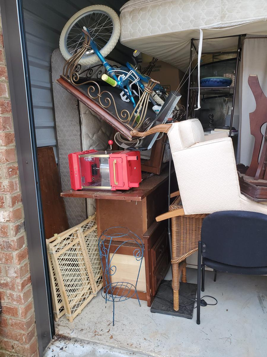 Self Storage Auction #103634 - Image 2 antiques,bicycle,books,boxes / totes,cabinet,clothing,electronics,furniture,holiday decor,home goods,lamps,mattress,office equipment,outdoor goods,shelves,shoes,sports equipment,tools,toys / baby items,wall art
