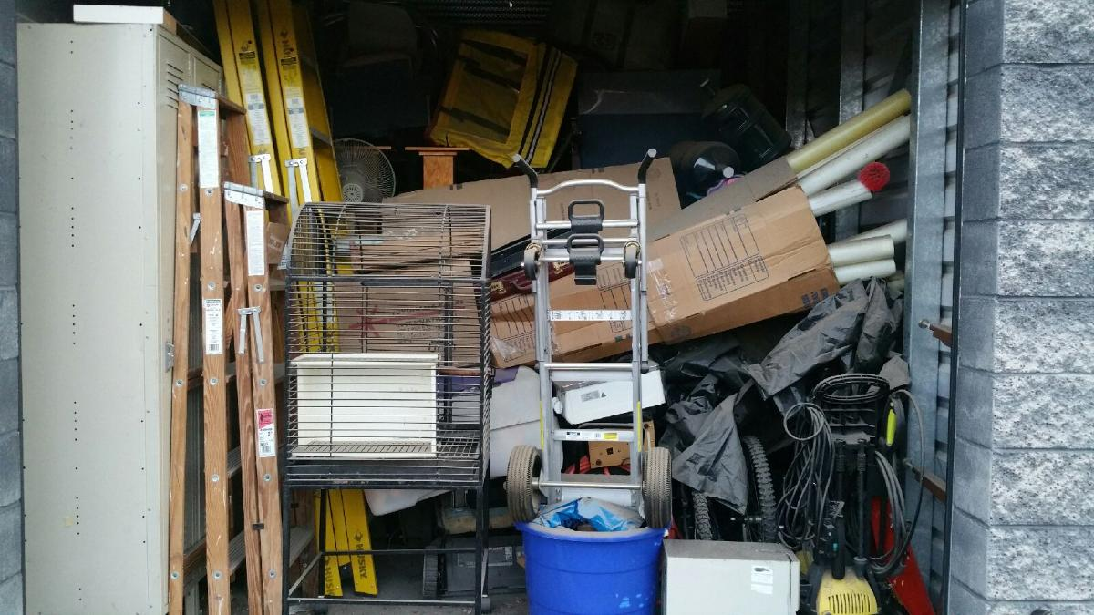 Las Vegas  Self Storage Auction #104193 - Image bicycle,boxes / totes,outdoor goods,tools