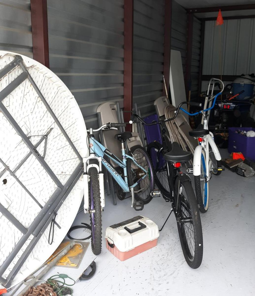 Self Storage Auction #105149 - Image 2 automobile,bicycle,boxes / totes,furniture,outdoor goods,tools