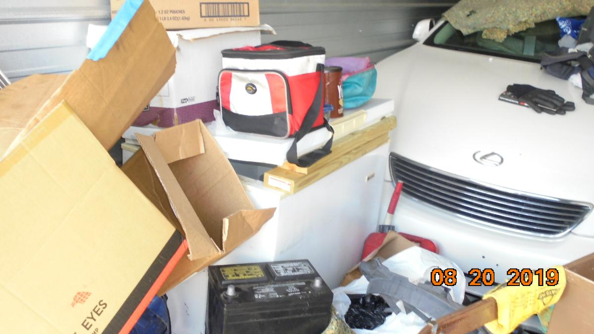 Self Storage Auction #107633 - Image 4 boxes / totes,heavy equipment,shelves,tools