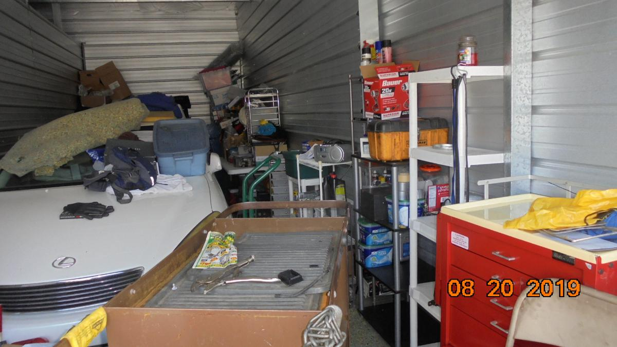 Self Storage Auction #107633 - Image 2 boxes / totes,heavy equipment,shelves,tools