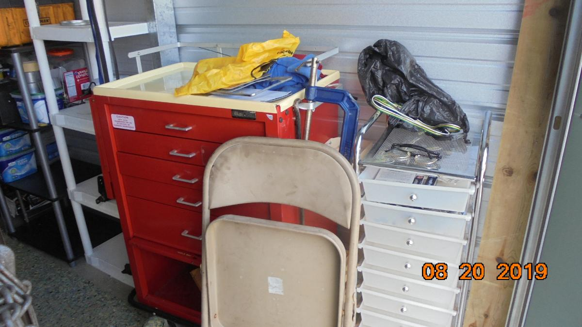 Self Storage Auction #107633 - Image 10 boxes / totes,heavy equipment,shelves,tools