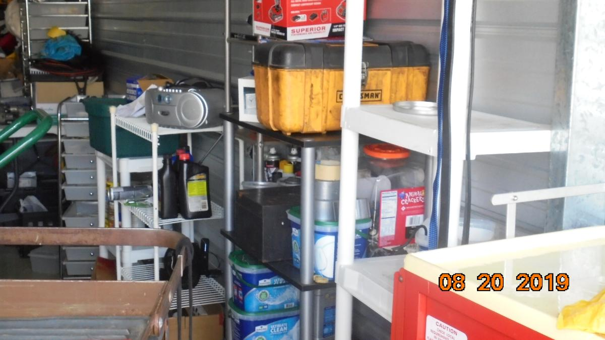 Self Storage Auction #107633 - Image 9 boxes / totes,heavy equipment,shelves,tools