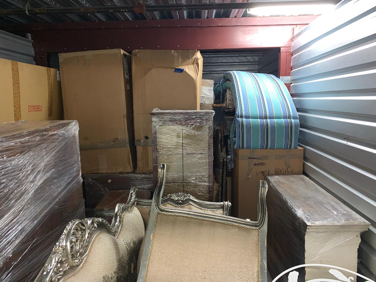 Self Storage Auction #123743 - Image 4 boxes / totes,furniture