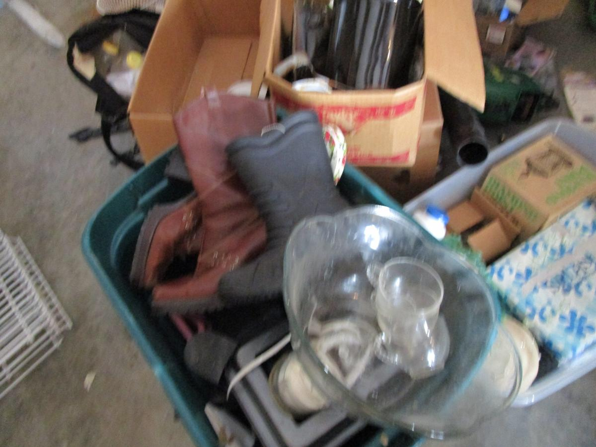 Self Storage Auction #158241 - Image 15 antiques,boxes / totes,cabinet,electronics,furniture,games,holiday decor,home goods,jewelry,kitchenware,lamps,movies / music,office equipment,outdoor goods,shelves,sports equipment,tools,toys / baby items,wall art