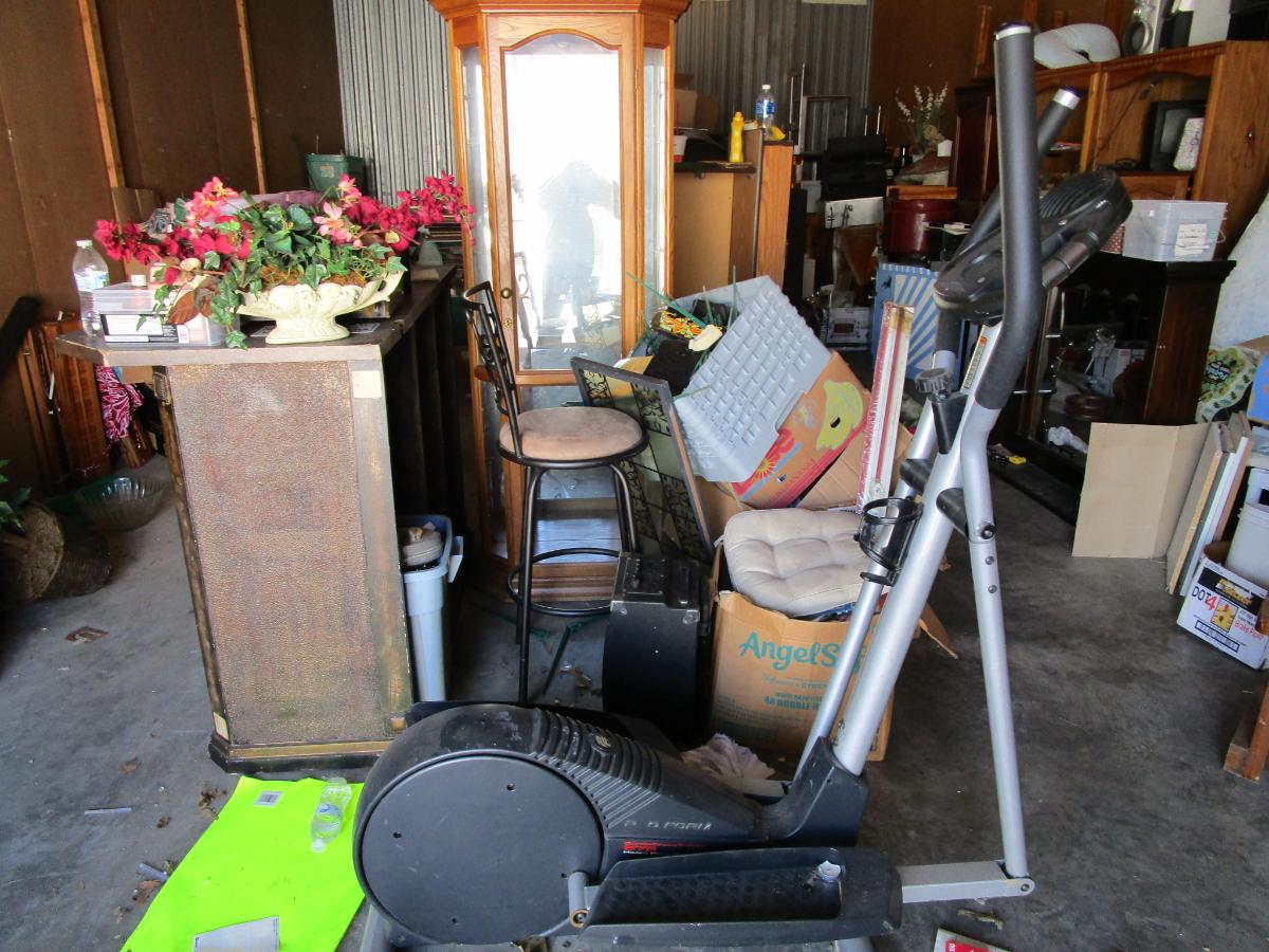 Self Storage Auction #158241 - Image 6 antiques,boxes / totes,cabinet,electronics,furniture,games,holiday decor,home goods,jewelry,kitchenware,lamps,movies / music,office equipment,outdoor goods,shelves,sports equipment,tools,toys / baby items,wall art