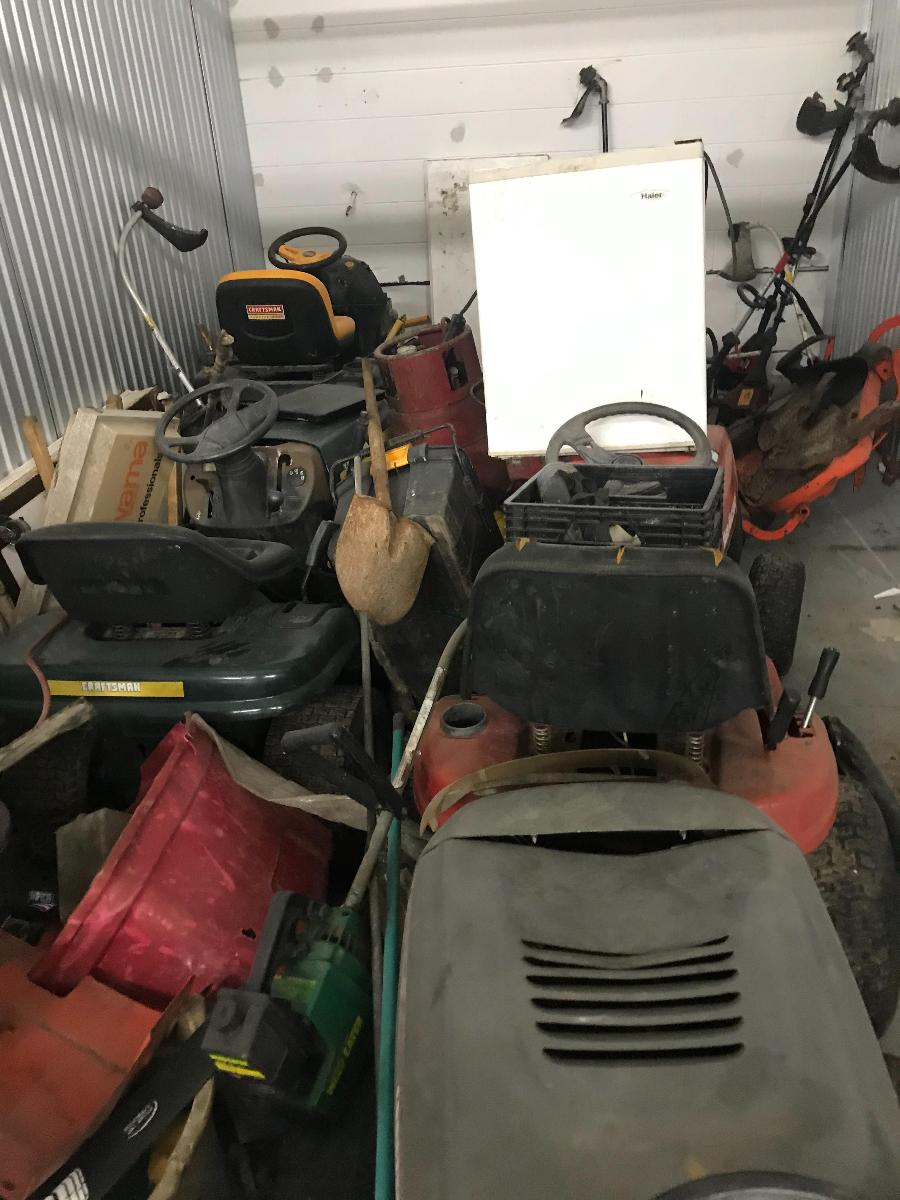 Self Storage Auction #158704 - Image 3 tools