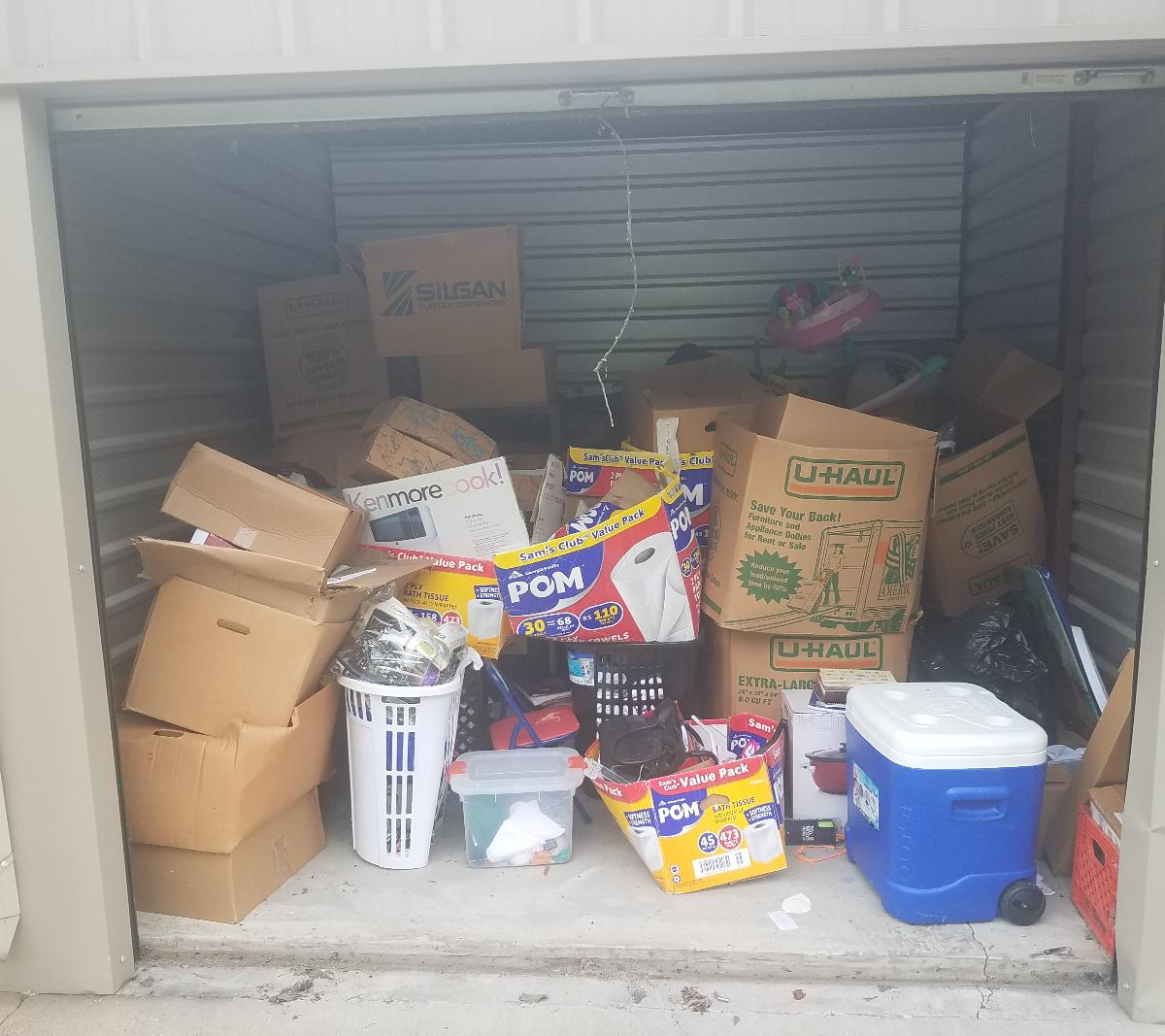 West Memphis  Self Storage Auction #162728 - Image boxes / totes,home goods,sports equipment,toys / baby items