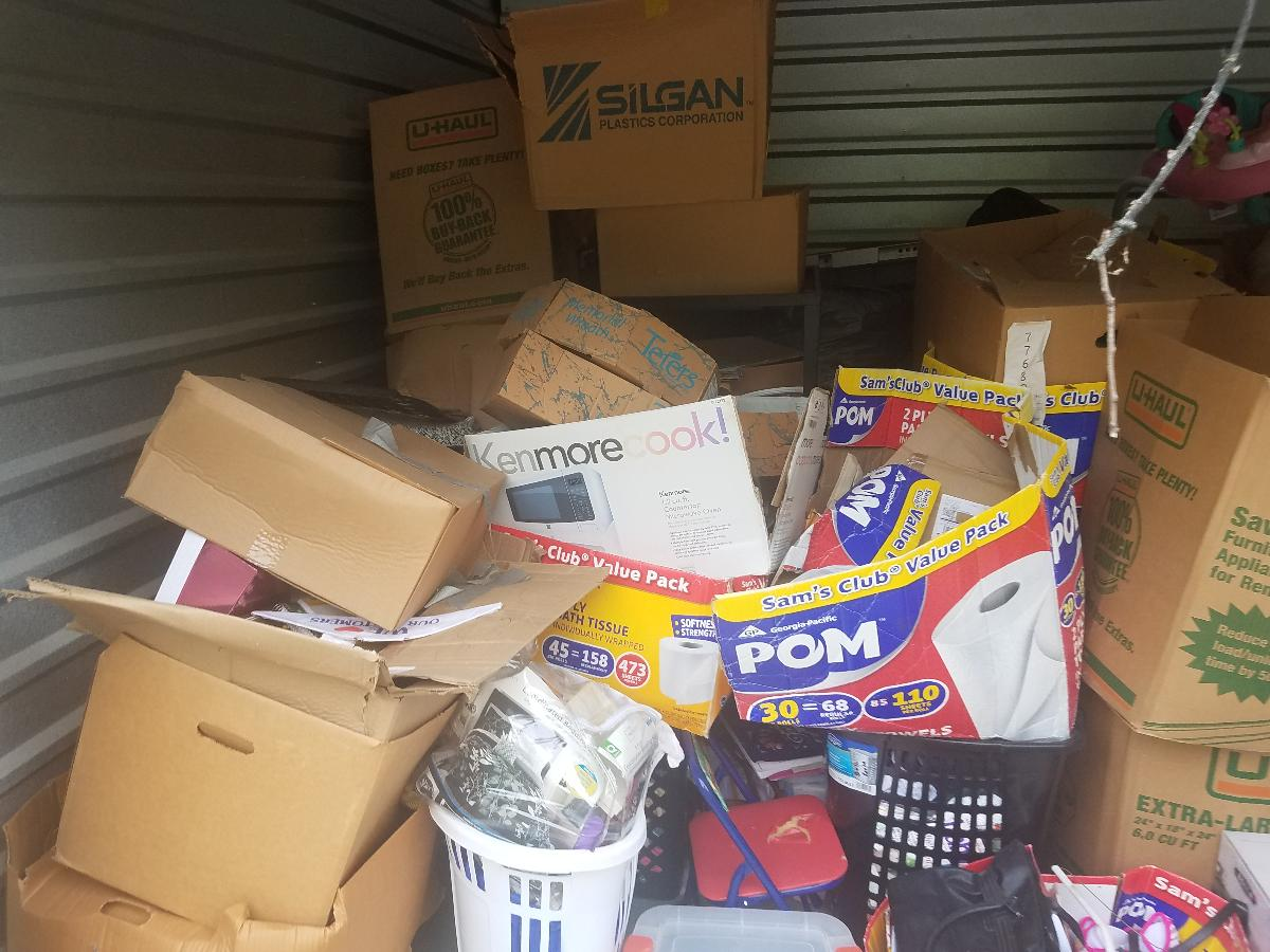 Self Storage Auction #162728 - Image 5 boxes / totes,home goods,sports equipment,toys / baby items