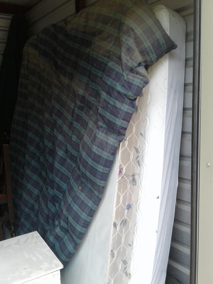 Self Storage Auction #166942 - Image 7 mattress