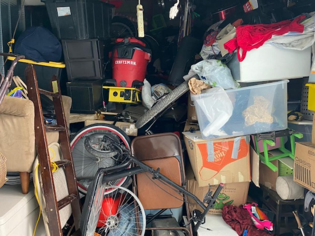 Mission Viejo  Self Storage Auction #194352 - Image appliances,bicycle,boxes / totes,furniture,home goods,shelves,tools