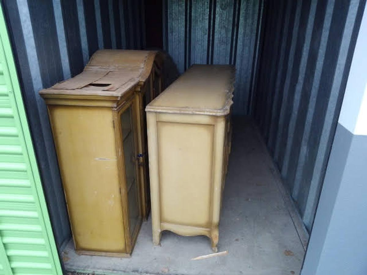 Self Storage Auction #64183 - Image 1 furniture