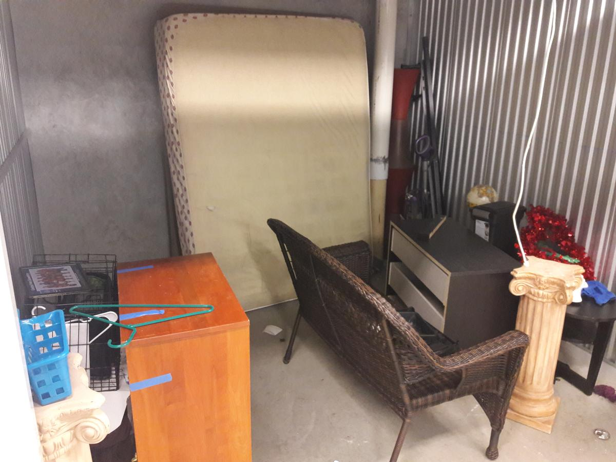 Plantation  Self Storage Auction #65224 - Image electronics,furniture,mattress