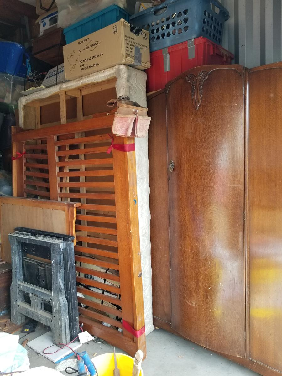 Self Storage Auction #81560 - Image 2 bedding,boxes,electronics,furniture,Holiday Decor,sports & outdoors,tools