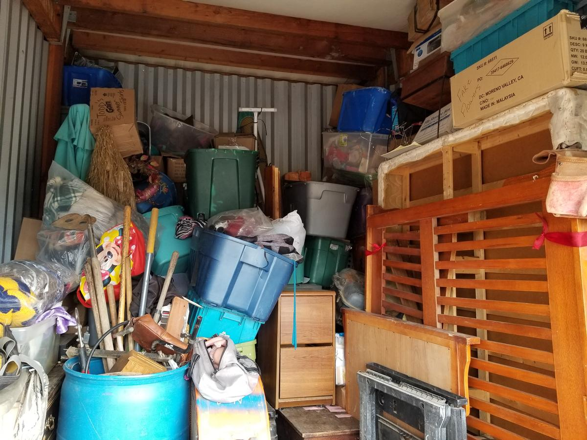 Yuba City  Self Storage Auction #81560 - Image bedding,boxes,electronics,furniture,Holiday Decor,sports & outdoors,tools