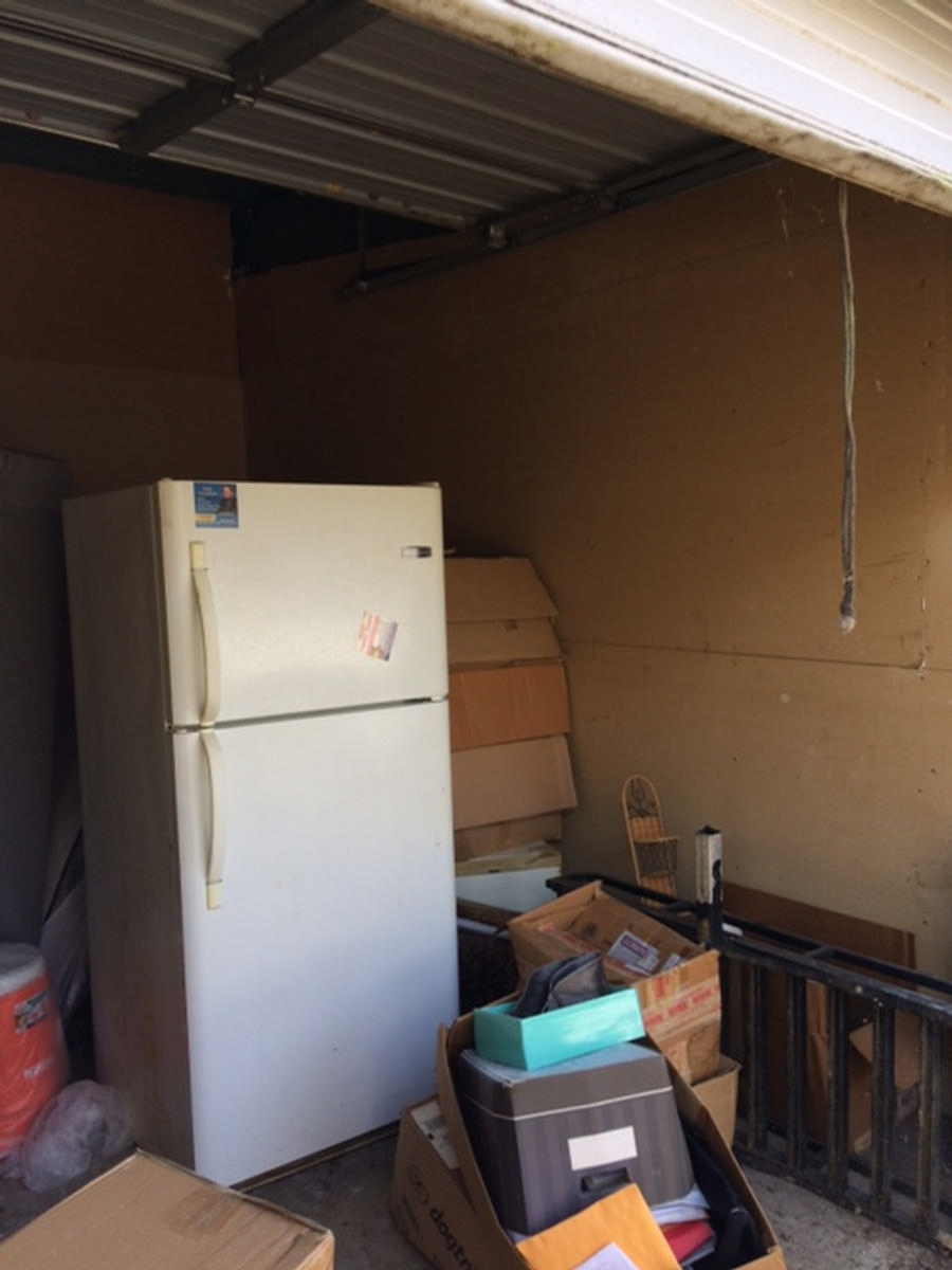 Self Storage Auction #82535 - Image 2 appliances,boxes