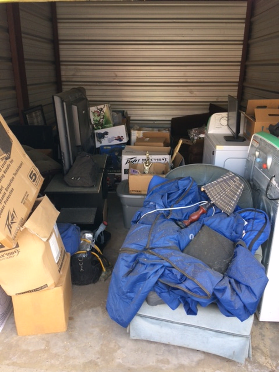 Starkville  Self Storage Auction #82536 - Image boxes,electronics,furniture,lamps