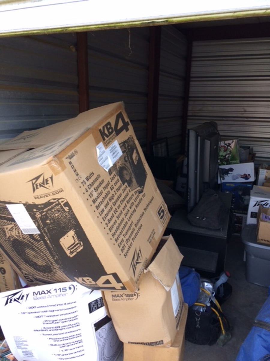 Self Storage Auction #82536 - Image 2 boxes,electronics,furniture,lamps