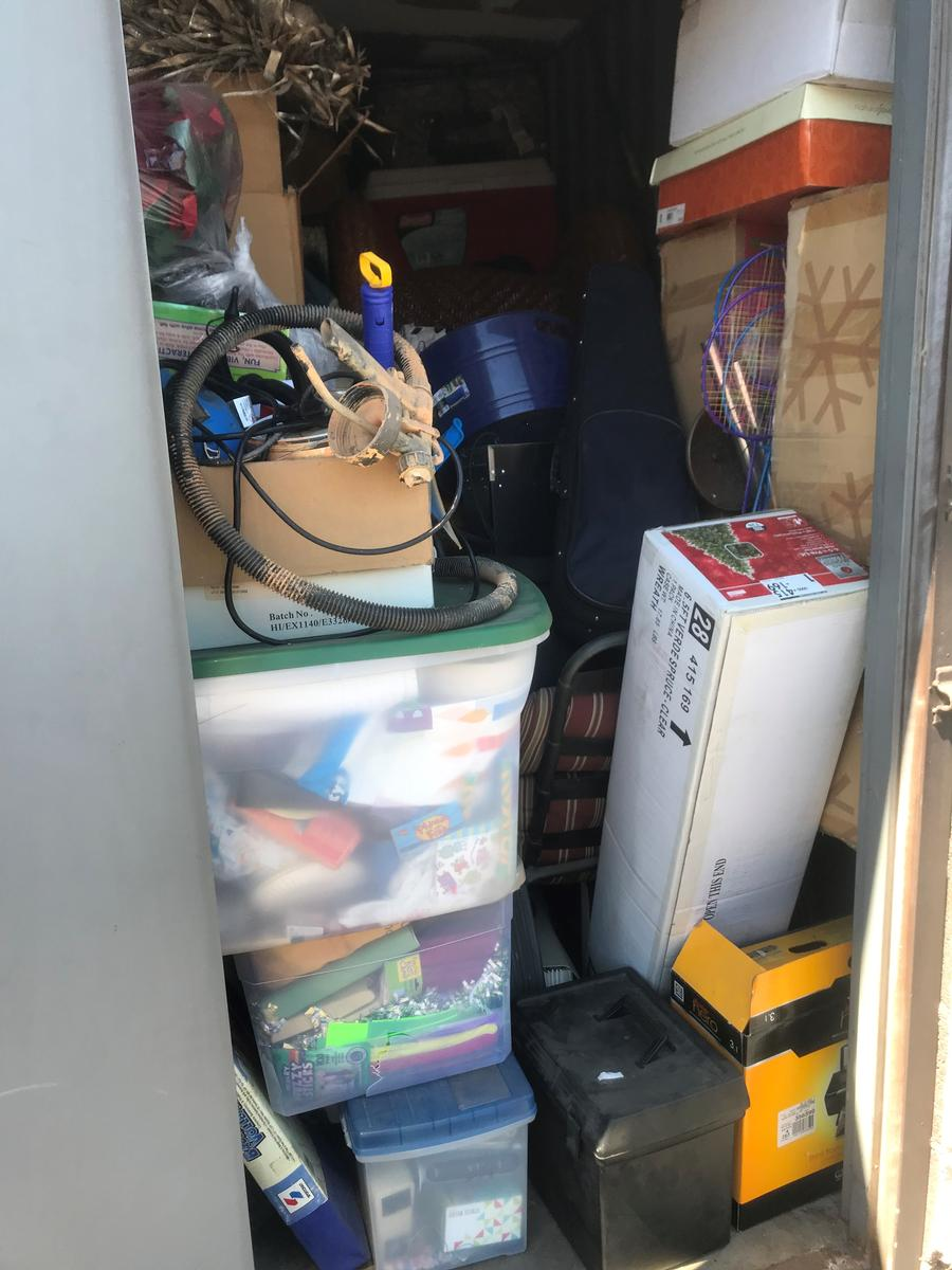 Self Storage Auction #84820 - Image 2 appliances,boxes,clothing,furniture,Holiday Decor,musical instruments,sports & outdoors,tools