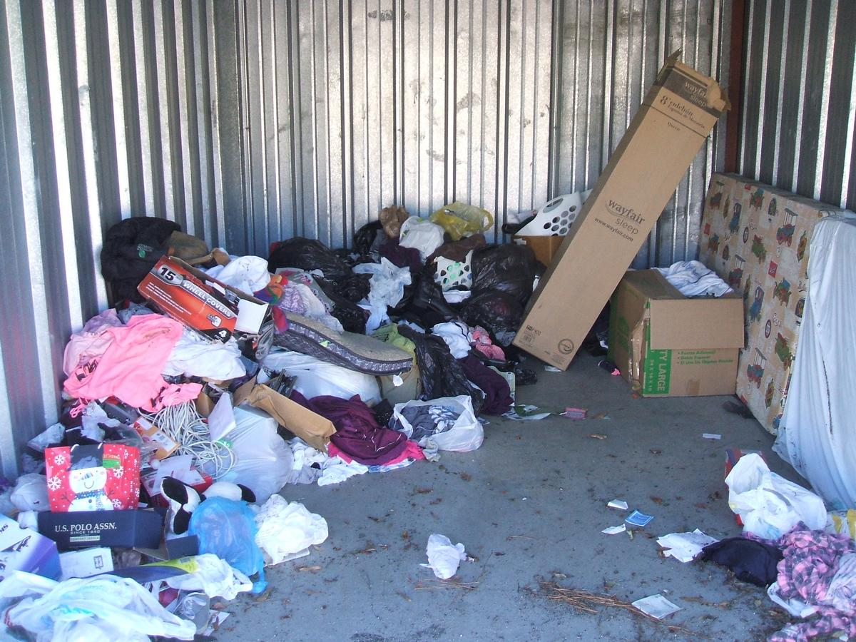 New Bern  Self Storage Auction #89645 - Image boxes,clothing