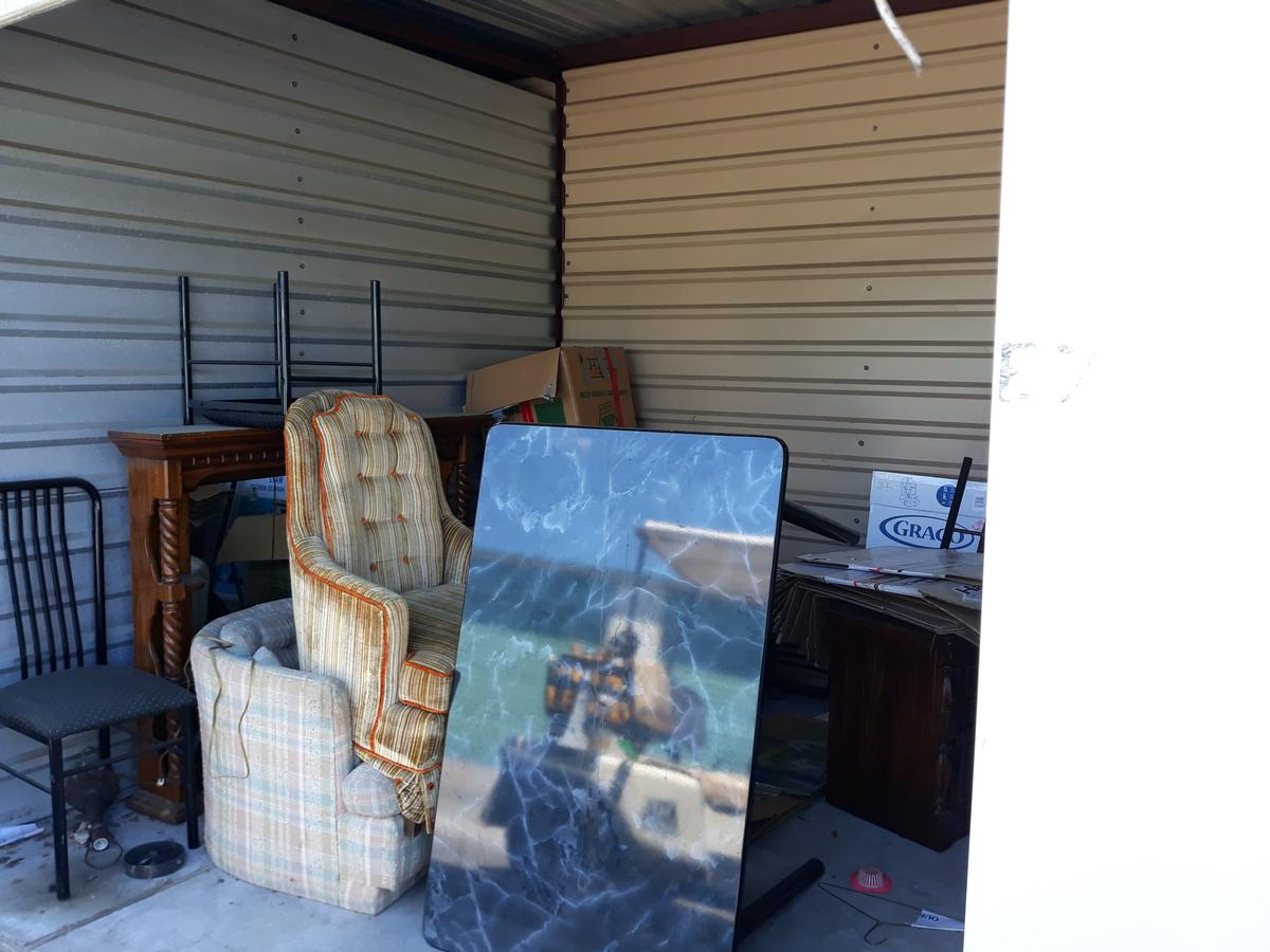 Self Storage Auction #90610 - Image 1 boxes,furniture