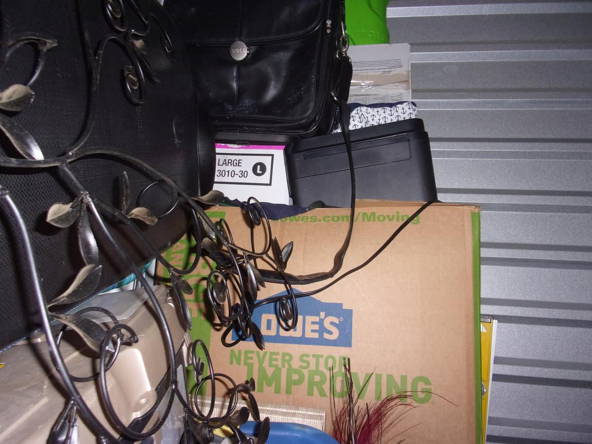 Self Storage Auction #91053 - Image 4 boxes,clothing,office equipment,sports & outdoors,tools