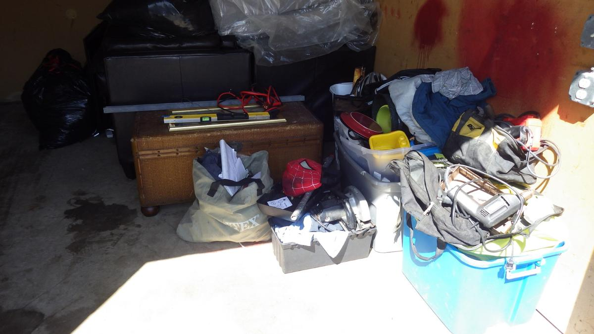 Self Storage Auction #91075 - Image 2 automobile,bedding,boxes,clothing,electronics,furniture,mattress,tools