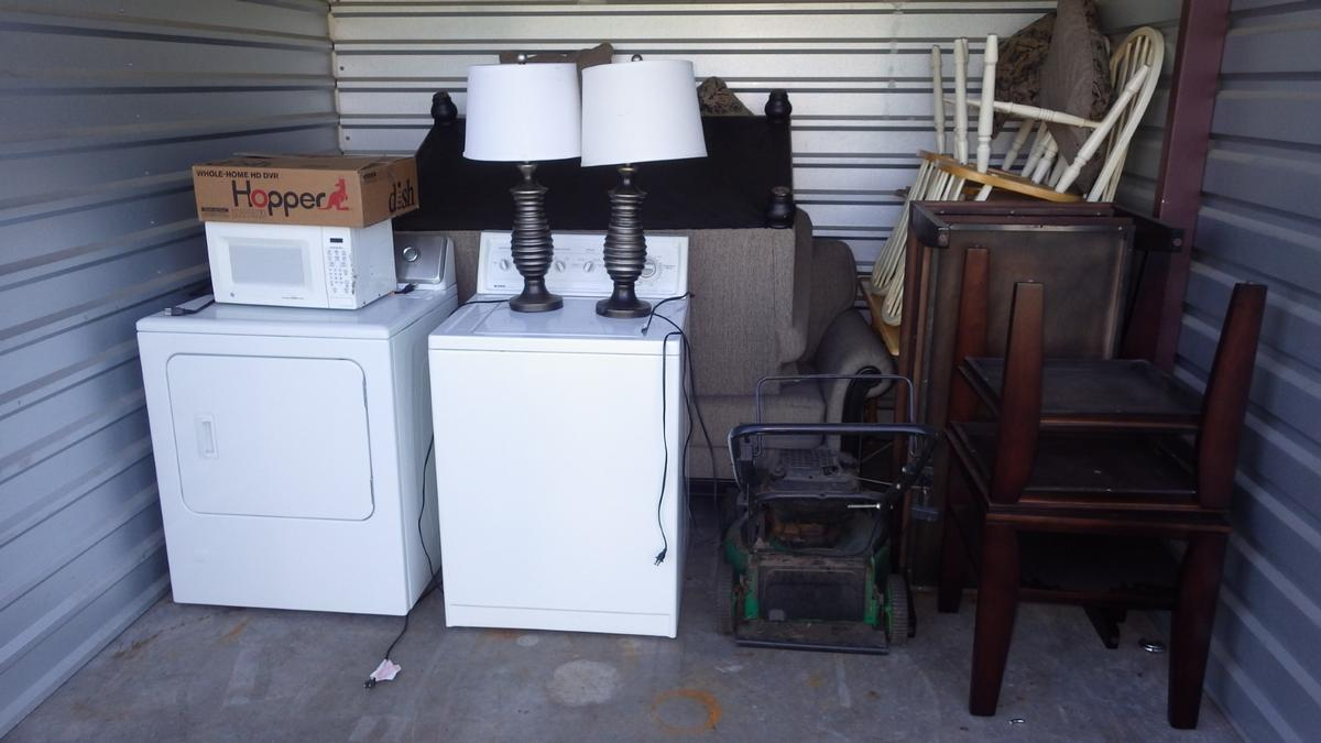 Wyoming  Self Storage Auction #91107 - Image appliances,furniture,sports & outdoors