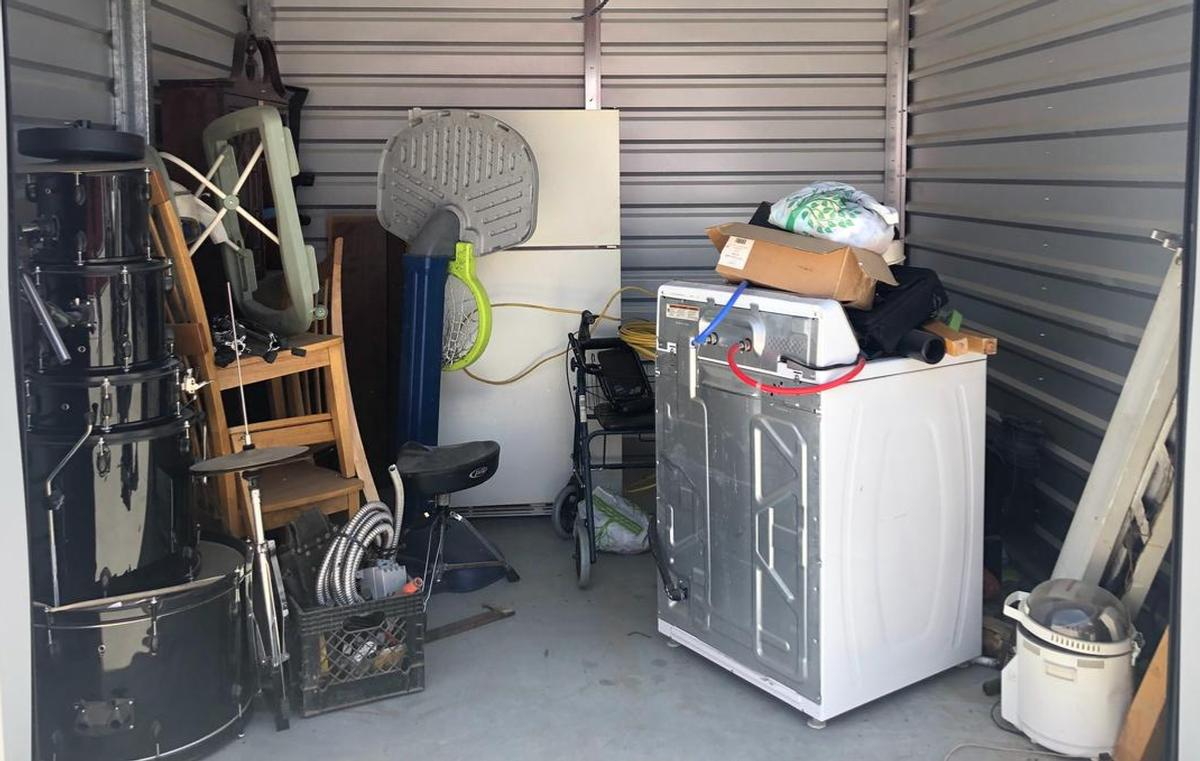 Bakersfield  Self Storage Auction #92014 - Image antiques,bedding,furniture,mattress,musical instruments,tools,toys, baby items, games