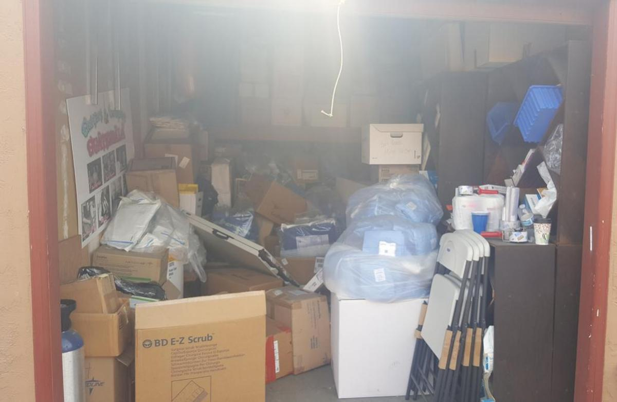San Leandro  Self Storage Auction #98202 - Image books,boxes,furniture,office equipment