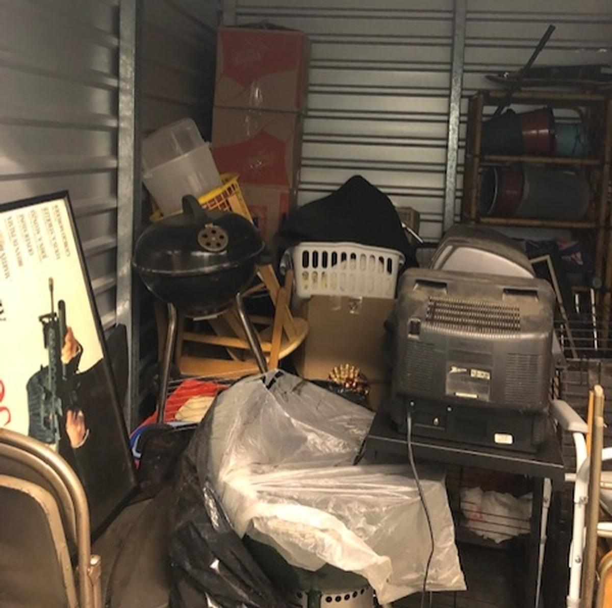 Self Storage Auction #98992 - Image 2
